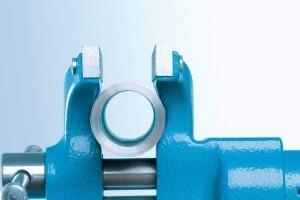 Heuer Compact Schraubstock 120 mm mit eingeschmiedeten Rohrspannbacken
