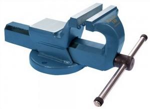 Stahlgeschmiedeter und blau lakierter Schraubstock Matador mit 120 mm breiten Spannbacken.