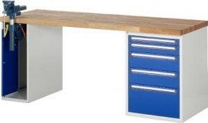 Werkbank mit Schraubstock und fünf blauen Schubladen von Rau